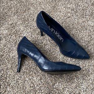 Calvin Klein navy blue snake skin pumps